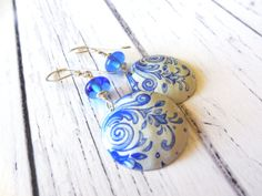 Recycled Vintage Tin Delft Blue and White by CraftyLikeMom on Etsy, $28.00