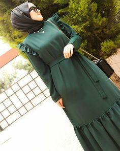 Modern Hijab Fashion, Korean Girl Fashion, Abaya Fashion, Muslim Fashion, Fashion Dresses, Hijab Style Dress, Muslim Dress, Islamic Clothing, Mode Hijab