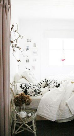 10 Bedside Tables That Aren't: Repurposed Bedside Storage Interior And Exterior, Interior Design, Bedside Storage, Dalmatian Dogs, Up House, The Design Files, Dog Bed, Apartment Therapy, Decoration