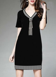 Black dress spandex with stripe variation Linen Dresses, Day Dresses, Casual Dresses, Fashion Dresses, Office Outfits For Ladies, Batik Dress, Mode Inspiration, Dress Patterns, African Fashion