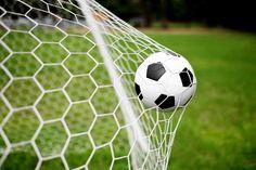 сетка футбольная, мяч, ворота