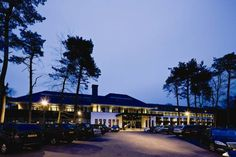 Van der Valk hotel Harderwijk Harderwijk Van der Valk offers elegant rooms with a whirlpool bath in a peaceful setting on the edge of the Veluwe. This design hotel includes free Wi-Fi and a terrace with views over the countryside. It is 2.5 km from the centre of Harderwijk.