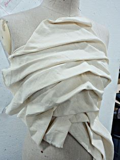 Draping on the stand - bodice development with sculptural pleating - pattern making; moulage; garment construction // Vilune Daunoraite