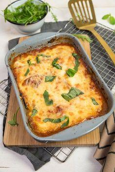 Oven dish with bell pepper, zucchini and eggplant - Kitchen ♥ Love Veggie Recipes, Vegetarian Recipes, Dinner Recipes, Healthy Recipes, Moussaka, Mozarella, Gnocchi, Veggie Pasta, Oven Dishes
