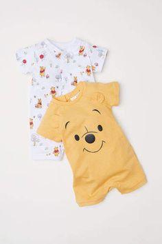 New Baby Clothes Disney Boys Winnie The Pooh 51 Ideas Baby Outfits, Outfits Niños, Disney Baby Clothes, Cute Baby Clothes, Guy Clothes, Dress Clothes, Cute Baby Stuff, Newborn Boy Clothes, Disney Babys