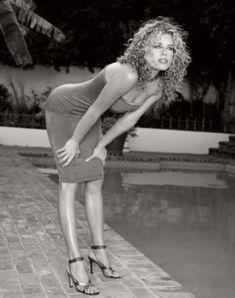 Rebecca Romijn by Barry Hollywood Rebecca Romijn Stamos, Celebrity Biographies, Height And Weight, Hot Dress, Famous Women, Celebrity Feet, Beautiful Actresses, X Men, Beauty Women