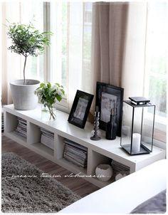 living room via vaaleanpunainen hirsitalo | divaaniblogit.fi