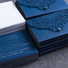 Finas tarjetas de invitación a  boda con corte laser -  http://tiendamydesign.com/productos/invitaciones-boda-corte-laser
