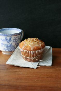 Perfect Lemon Muffins. Because I'm all about lemon....
