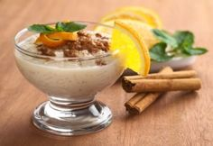 Delicious Caramel Apple Rice Pudding with Cinnamon