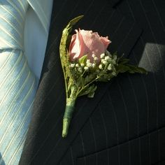 Simple Touch Boutonniere