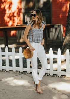 What a fun summer outfit! I feel as though gingham is thought of as a pattern for young girls, but it looks beautiful in this outfit! The heels and white denim are a perfect complement. Style Outfits, Casual Outfits, Cute Outfits, Fashion Outfits, Casual Heels Outfit, Womens Fashion, Beautiful Outfits, Fashion Trends, White Summer Outfits