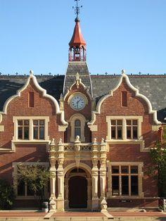 Picture of Ivey Hall by Jon Sullivan  http://www.flickr.com/photos/mollivan_jon/2203474278/