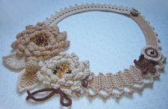 beige  flowers crochet necklace