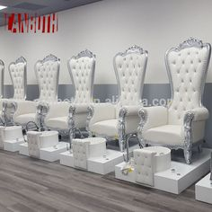 Source pipeless whirlpool spa pedicure chair/nail salon spa chairs/pedicure chairs on m. Luxury Nail Salon, Nail Salon And Spa, Hair Salon Interior, Nail Salon Design, Nail Salon Decor, Beauty Salon Design, Salon Interior Design, Posh Nail Salon, Whirlpool Spa