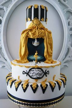 #KatieSheaDesign ♡❤ ❥ Opera house wedding cake