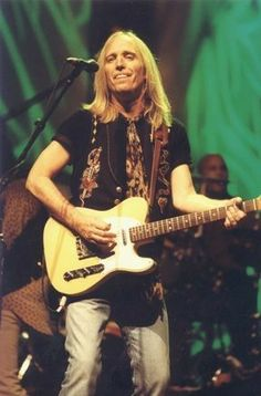 Fan page and photo gallery for Tom Petty and the Heartbreakers Rock Roll, Blues Artists, Music Artists, Country Bands, Tom Petty, Music Icon, Stevie Nicks, Bob Dylan, Music Love