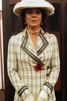 Five Fashionable Things About Peaky Blinders Peaky Blinders Costume, Peaky Blinders Theme, Peaky Blinders Series, Aunt Polly Peaky Blinders, Birmingham, Red Right Hand, Look At My, Costume Shop, Movie Costumes