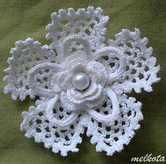 Watch The Video Splendid Crochet a Puff Flower Ideas. Phenomenal Crochet a Puff Flower Ideas. Crochet Puff Flower, Crochet Leaves, Crochet Motifs, Crochet Flower Patterns, Crochet Diagram, Lace Patterns, Crochet Flowers, Crochet Stitches, Knitting Patterns