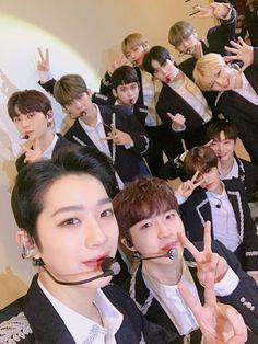 Wanna One at Jakarta Fanmeeting Guan Lin, One 7, Lee Daehwi, Produce 101 Season 2, Kim Jaehwan, Ha Sungwoon, Rhythm And Blues, Music People, Ji Sung