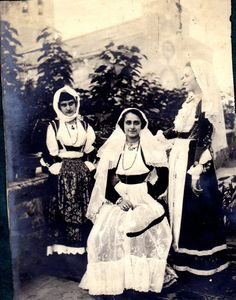 Gente di Sardegna in costume della festa cavalcata 1922   #TuscanyAgriturismoGiratola