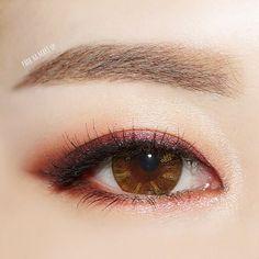 아까 올렸던 붉붉 메이크업 정면샷 사용한 제품은 아까 올린 사진을 참고해주쎄융 . #뷰티스타그램 #박하메이크업 #아이메이크업 #eyemakeup…