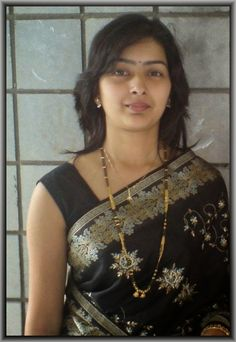 Hot Indian Housewife In Black Saree Photos At Hot Styles