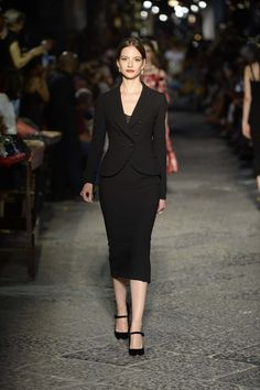 Fashion News, Trends, Catwalk Shows and Culture  #dolceandgabbana #sexyinblack #fashiontrends