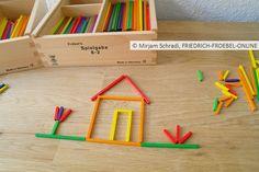 Kleines Häuschen mit dem Fröbel Material (Spielgaben) zum Legen für Kinder im Kindergarten/ Kita Mehr Infos zu Spielgabe 8:  http://www.friedrich-froebel-online.de/s-p-i-e-l-g-a-b-e-n/8-legespiel-geometrische-formen/ Spielgaben kaufen:  http://www.friedrich-froebel-online.de/shop/spielgaben/