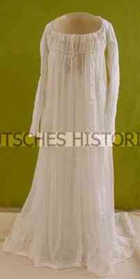 Women's Dress    Date: about 1803