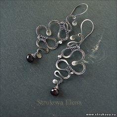 змеистые серьги с гранатом - Strukova Elena - авторские украшения