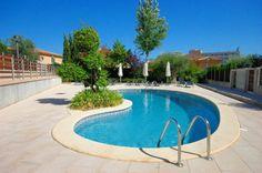 5 bedroom, 3 bathroom duplex town house for sale Palma nova, Majorca http://www.coastalpropertiesmallorca.com/index.php?option=com_iproperty&view=property&id=2079  #propertyforsaleinpalmanovamallorca