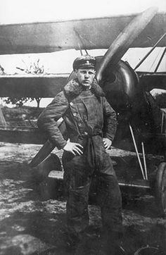 Robert Ritter von Greim (1892-06-22 - 1945-05-24) was a World War I fighter ace with 28 shot down planes and a German Field Marshal in WW II.