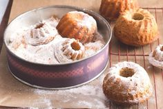 Javorové bábovičky se skořicí a jablky Cupcake Cakes, Cupcakes, Bundt Cakes, Doughnut, Muffin, Breakfast, Sweet Treats, Morning Coffee, Muffins