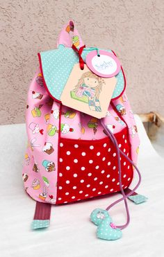 Backpack to my little girl. Really good pattern from an american women.