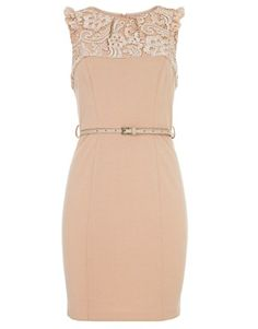 Love the lace, want it!!!