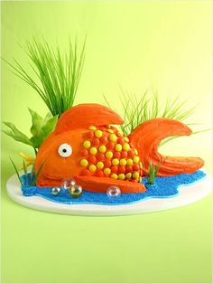 goldfish birthday cake ~ how to make it ~ instructions ~ village.com ~ cakes for kids by matthew mead