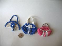 MINIATURE crochet purse for doll with diagram