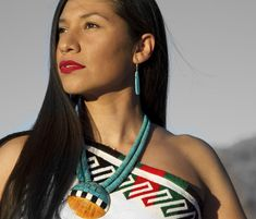 Project A Photo Project by Matika Wilbur documenting Native America Project 562 was featured in Oprah Magazine! Native American Beauty, Native American Tribes, Native Americans, Pocahontas, Native American Spirituality, Native Indian, Female Portrait, Indian Beauty, Gorgeous Women