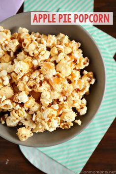 This three step popcorn mix tastes just like apple pie and is perfect for your favorite Fall snack occasion! Popcorn Snacks, Gourmet Popcorn, Popcorn Recipes, Snack Recipes, Dessert Recipes, Cooking Recipes, Popcorn Balls, Fall Popcorn Mix, Bacon Popcorn