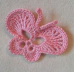 Crochet blankets are ideal for practical but decorative touch in any home room. Crochet baby blankets are also very good gifts and thoughtful newborns. Look at our favorite Crochet blanket pattern in this artic Crochet Butterfly Free Pattern, Love Crochet, Irish Crochet, Crochet Flowers, Crochet Lace, Simply Crochet, Appliques Au Crochet, Crochet Motifs, Crochet Squares