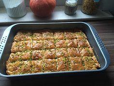 Baklava from Tortine Arabic Dessert, Arabic Sweets, Arabic Food, Apple Recipes, Sweet Recipes, Breakfast Recipes, Dinner Recipes, Good Food, Yummy Food