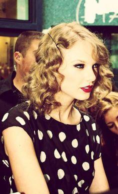 Οι 271 καλύτερες εικόνες του πίνακα Taylor Swift  78fb0be52a4