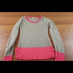🌺sale!Gray and pink 🌺knit sweater Very cute like new delia's Sweaters
