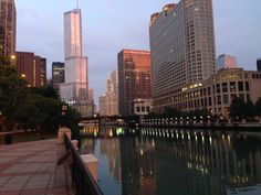 Aug 2014 Looking east on the Chicago River - Trump Tower