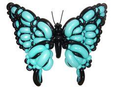 Mariposa azul y negra muy trabajada hecha con globos. #globoflexia #globos #tienda