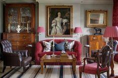 london apartment04 600x398 London Apartment Showcasing Traditional British Style
