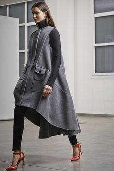 Antonio Berardi Pre-Fall 2014 - Slideshow - Runway, Fashion Week, Fashion Shows, Reviews and Fashion Images - WWD.com