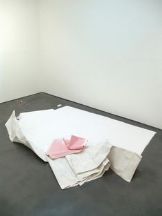 Karla Black Causes Bend 2007 Plaster, sugar paper, chalk, fabric dye, towel. 34 x 330 x 210 cm Karla Black, Fabric Plasters, But Is It Art, Saatchi Gallery, Artistic Installation, Black Artists, Online Painting, How To Dye Fabric, Contemporary Art