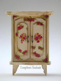 Victorian Vintage Style Miniature closet made with cardboard. This is an interesting site, full of nice tutorials
